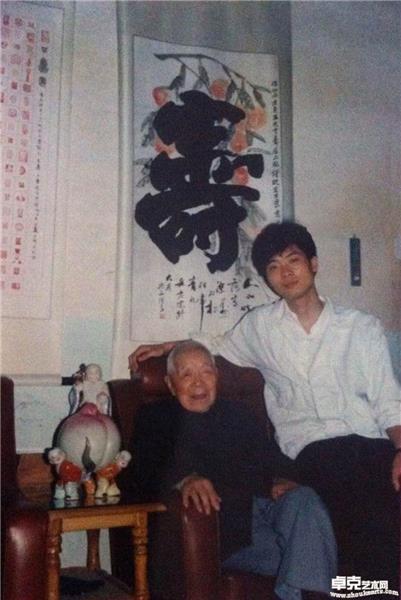 (1989年)和岳石尘先生在浙江卜院镇肯堂合影